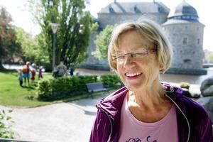 Johanna Gustavsson, 70 år, Fjugesta, har trer söner och nio barnbarn,– Det roligaste vore att ha alla barnen omkring sig och äta god mat tillsammans. Jag är från Holland och där firas mors dag 1 maj, då brukar det vara blommor och kaffe med tårta hemma hos mamma.
