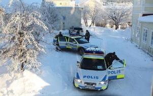 Polisen kallades till fyndplatsen mellan Z-torget och Kajen i centrala Leksand i går.FOTO: MATS RÖNNBLAD