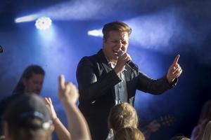 Robin Stjernberg fick publiken att jubla och sjunga med.