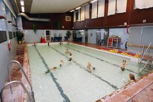 Nu finns pengar i kommunens kassa för att renovera Lillhagsbadet och projekteringen har påbörjats. Enligt planerna kan badet öppnas igen nästa år.