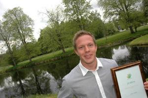 MOT USA. Fotbollsspelaren Martin Hansson, 18, år vann årets resestipendium. Han ska studera i USA när han gått ut gymnasiet.