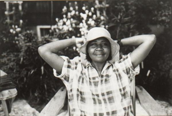 Jamaica Kincaid växte upp på Antigua men lever och skriver sedan lång tid tillbaka i USA.