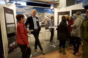 Många besökare på Lodge och lya ville diskutera med representanterna från Örndalen.