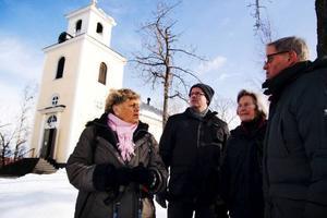 Ulla Frost, Anders Brolén, Anna-Lena Larsson och Sixten Burenius är några av Gamla kyrkans alla frivilligarbetare. De har i många år ideellt ställt upp och tagit hand om ungdomar på fredagskvällar i Östersund.Foto: Birgitte Meidell Roald