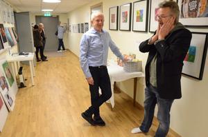 I Galleri Korridoren. Peo Quick och Anders Wallén i konstgalleriet som invigdes på lördagen.