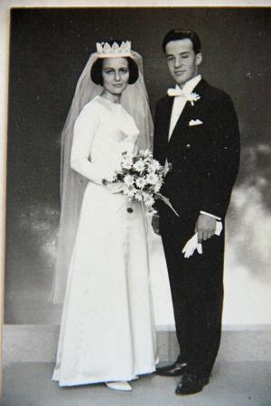 Eva och Lennart Thunvalls bröllopsfoto från 1965.