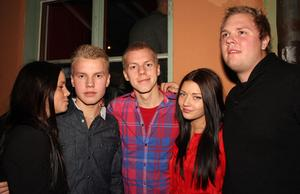 Blue Moon Bar. Therese, Emil, Andreas, Angelica och Lubbe