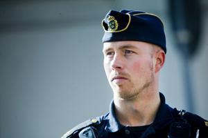 Christian Norell kontrollerade bilister längs Brädgårdsgatan.