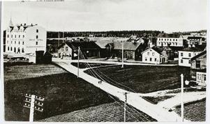 Så här såg Grand Hotell i Strömsund ut runt 1909. Den 13 juni hålls en stor jubileumsfest på hotellet.
