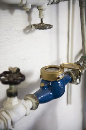 Stäng alltid av vattnet med huvudkranen när du lämnar huset för en längre period, är rådet från skadeförebyggarna.