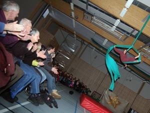 Karriärklättring. Axel Immler har använt bland annat tyg och eld för att klättra på karrärstegen. Han är nu verksam som cirkuslärare i Trondheim.