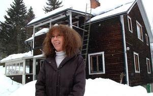 Fortfarande kan Annekes hus  i Böle se lite skamfilat ut  i fasaden, men invändigt har hon gjort det till rena drömmen.