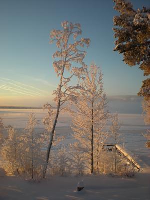Vy överStorsjön med Frösön i bakgrunden. Bilden är tagen i Lugnvik. Foto: Carina Norgren