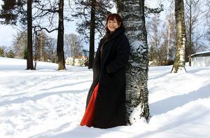 Här berättade Kim om sina lekupplevelser vid Olssons kulle. Hon berättar om hisnande kälk- och skidturer utför Ringvägen, över Rådhusgatan och ända ner på Storsjöns is.
