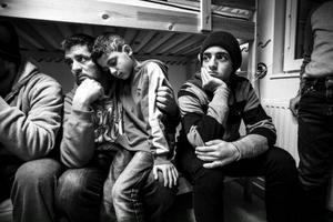 Mohamad, Abdelay och Mouner Katous vill stanna i Sverige för ett bättre liv. Men de ska nu tillbaka till Italien. Foto: Susanne Kvarnlöf