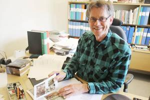 Fulla händer för Mats Fredriksson och andra anställda på Skogsstyrelsen.