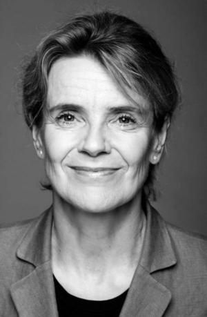 Bergtagen. Stina Ekblad ger liv åt Victoria Benedictssons ord.