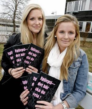 handbok. Emma Henningsson och Anna Isetofts projektarbete blev en handbok om epilepsi.Foto: Stefan Tkatjenko