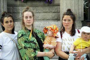 Catharina Hultman Eurenius, Frida Stridbar och Johanna Nyström arrangerar maschen mot BB-kaoset i Härnösand