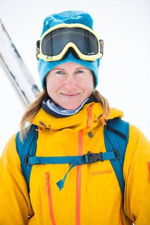 I höst tog Eva slutexamen i alpin sommarklättring. Nu väntar examen i alpin vinterklättring samt skidåkning.