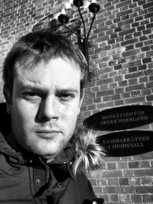 Gefle Dagblads reporter Johan Ronge rapporterar direkt från hovrätten.