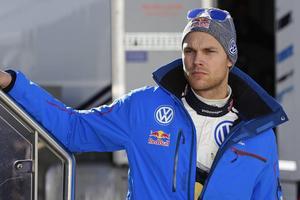 I år ska Andreas Mikkelsen vinna svenska VM-rallyt.