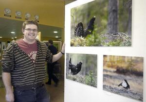 För första gången ställer naturfotografen Lars Altberg ut sina bilder. Det gör han som månadens utställare på pingstkyrkan i Edsbyn.
