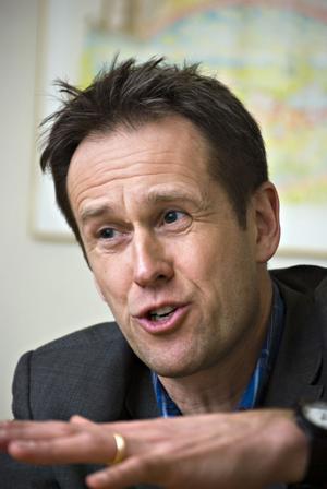 Svante Axelsson, generalsekreterare i Svenska Naturskyddsföreningen, menar att det är bra för plånboken att vara klimatsmart.