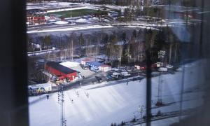 Ett hotell någonstans här i närheten av skidstadion eller i Östersunds arenaby skulle kunna  bli ett lyft. Fotograf: Fredrik Westberg