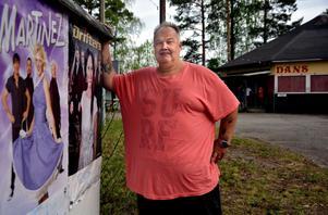 Per-Erik Persson ser fram emot att äntligen få dra i gång en danssommar på Tallbacken i Ånge igen.
