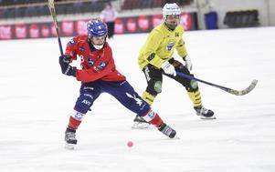 Hans Andersson kan inte lyfta klubban för skott just för dagen, om det blir några i världscupen återstår att se.