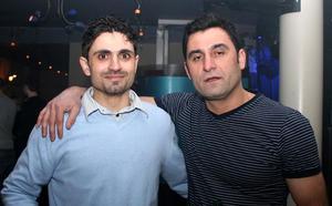 Blue Moon Bar. Ali och Halkat