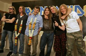 Iron Maiden på presskonferens i Mumbai,Indien, 2008.