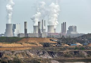 Ett kolkraftverk i tyska Grevenbroich.Foto: Martin Meissner/TT