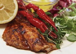 Sotad fisk innebär att man kryddar fisk med en mörk kryddblandning i syfte att efterlikna smaken av grillat.