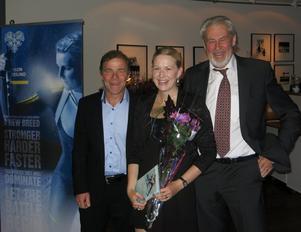 TV-radarparet Kalle Grenemark och Christer Ulfbåge delade ut Hall of Fame diplomet till Helena Ekholm, som väl snart varit jämte i ett decennium. Hon kommer från Helgum och har tävlat för I 21. Helena är yngst av dem i Hall of Fame, eftersom man kan väljas in först när man slutat tävla. Helena har två individuella VM-guld, mixedguld och andra medaljer, världscupseger, bragdguld och Jerringpris.