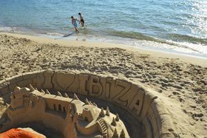 Santa Eulària des Riu är ett exempel på de lågmälda badorter som motsäger bilden av Ibiza som en renodlad partyö.