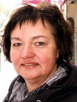 Bente Kvemo, 50 år Gäddede:– Ja, jag tror att det är en bra utbildning för det vuxna livet. Jag tror att vi kvinnor också skulle behöva göra värnplikten.