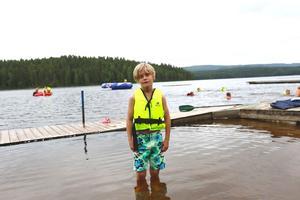 Harald, 8 år, gillar att bada vid Tansenbadet.