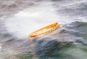 När strömmen bröts på Estonia gick det inte längre att få i livbåtarna.