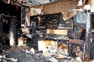 Branden verkar ha börjat i köksdelen som blev totalt utbränd.