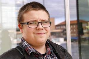 Per Eliasson, Östersund: 1. Det beror väl helt på vart den är. Jag vet inte riktigt. 2. Nja tror jag väl. 3. Nej.
