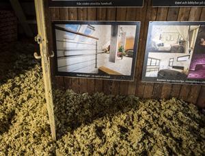 Gamla visioner om hotellplanerna hänger kvar under takåsarna på vinden.