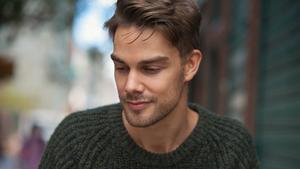 Johan Matton arbetar både som skådespelare och producent, för att vara, som han säger, konkurrensmässig.