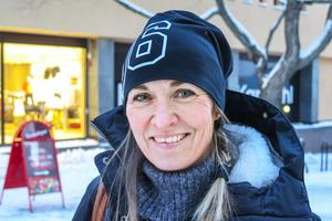 Malin Arfwidson, 43 år, Torvalla: – Jag hoppas det. Att det inte blir lika mycket stress i vardagen, att man kanske lugnar ned sig lite grand.