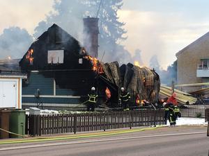 Ett 30-tal brandmän arbetade med släckningsarbetet.