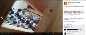 På bilden som laddats upp av SUDC på facebook ser man unga män skriva prov i den salafistiska grundaren Muhammad ibn Abd al-Wahhabs lära Foto: Facebook