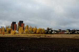 Fram till 2025 krävs det 51 000 nya bostäder i Sverige. Kumla måste ta sin del av ansvaret, skriver Katarina Hansson (S).