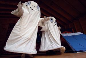 Spöket Laban och hans lillasyster Labolina spökade i Segersta.