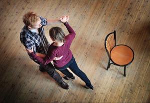 Erik Abrahamsson, Frösön, och Kristin Rudin, Östersund, deltog i en kurs som ordnades på tangofestivalen i Ås i helgen. Det är andra festivalen som de är med på.